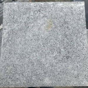 Đá xanh đen 40×40 dày 5cm băm toàn phần