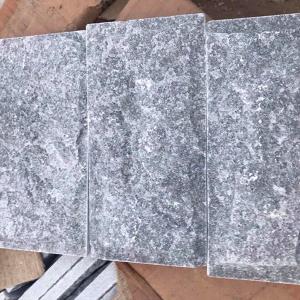 Đá bóc đen 10x20cm