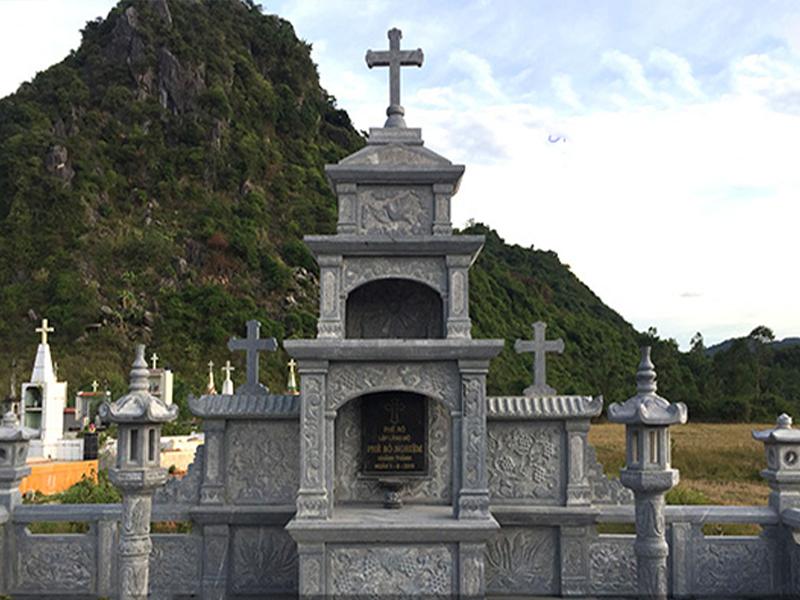 Lăng thờ đá công giáo