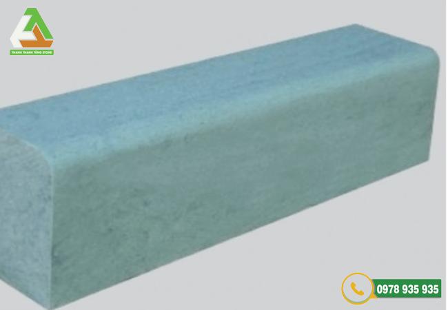 Mẫu đá xanh rêu bó vỉa bền đẹp