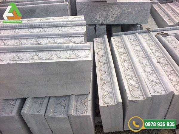 đá cẩm thạch trắng bậc tam cấp