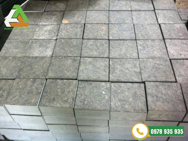 đá cubic tự nhiên xám
