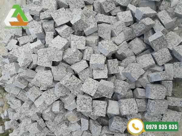 đá cubic granite tự nhiên
