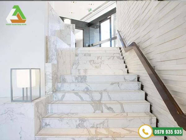 Đá marble ốp cầu thang, bậc cấp sang trọng