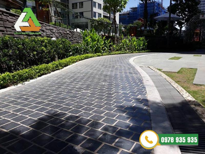 Xu hướng lựa chọn đá lát sân vườn ngoài trời ngày càng được áp dụng tại các công trình công cộng