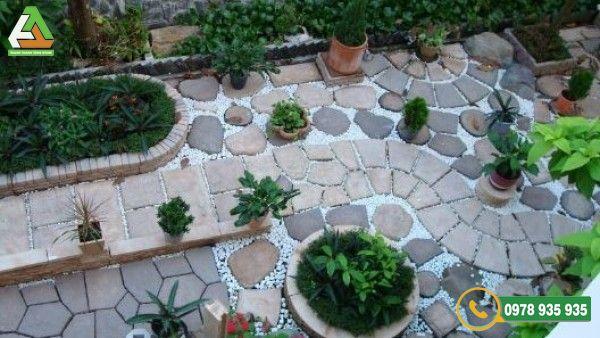 Hãy mua đá lát sân vườn với số lượng vừa đủ để thi công