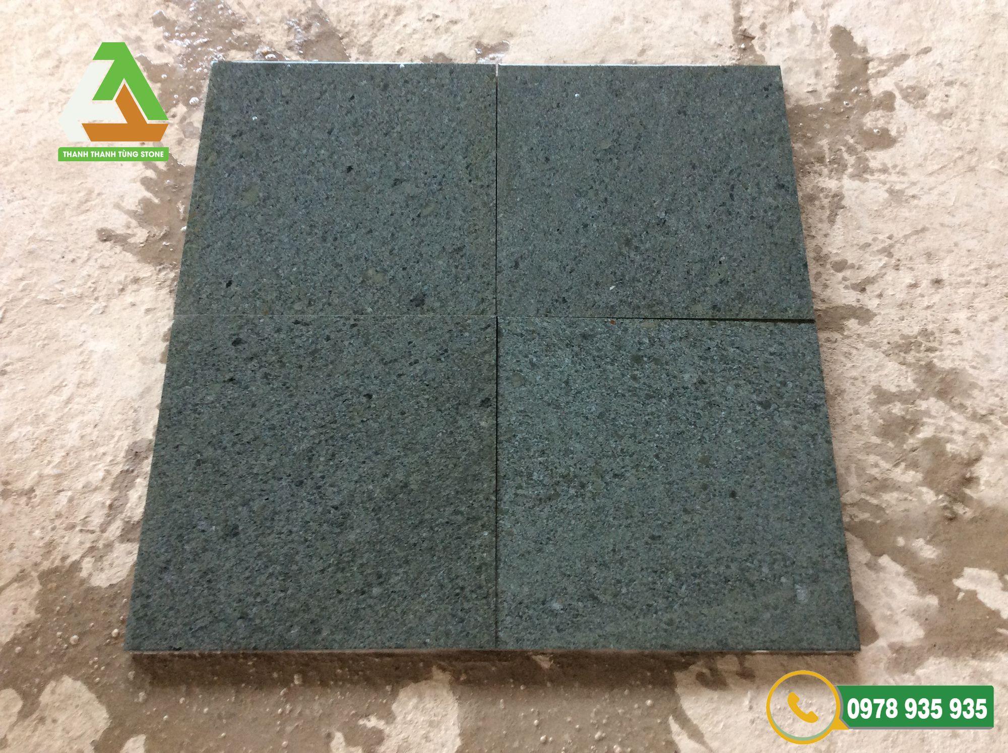 Mẫu đá xanh rêu Thanh Hóa băm mặt với màu xanh mộc mạc