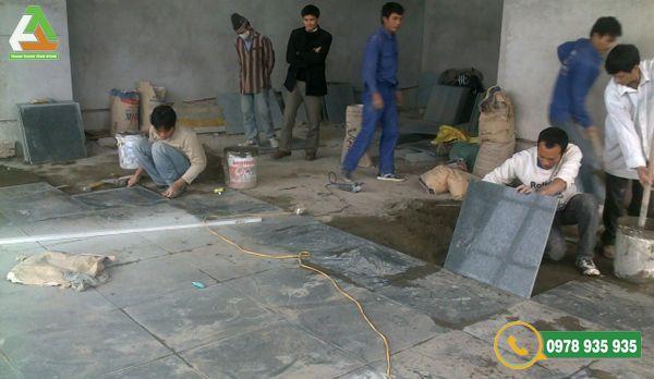 Một đội thi công giàu kinh nghiệm sẽ giúp công trình đá lát sân vườn hoàn thiện hơn