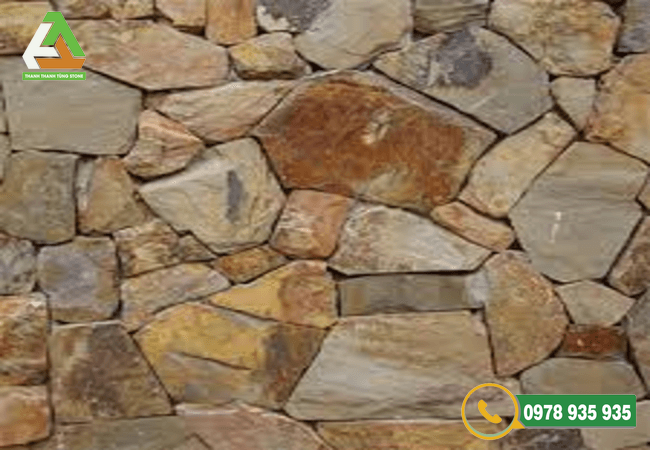 Mẫu đá chẻ ốp tường bao vàng bền đẹp
