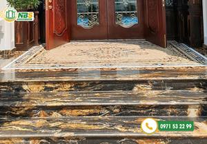 Sử dụng bậc tam cấp giúp tạo điểm nhấn cho không gian ngôi nhà