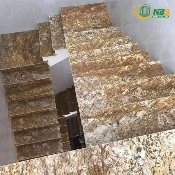 Đá cẩm thạch (marble) ốp lát cầu thang